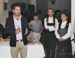 Manuel Torres Zarzana explicando los detalles de los vinos Cruz Vieja
