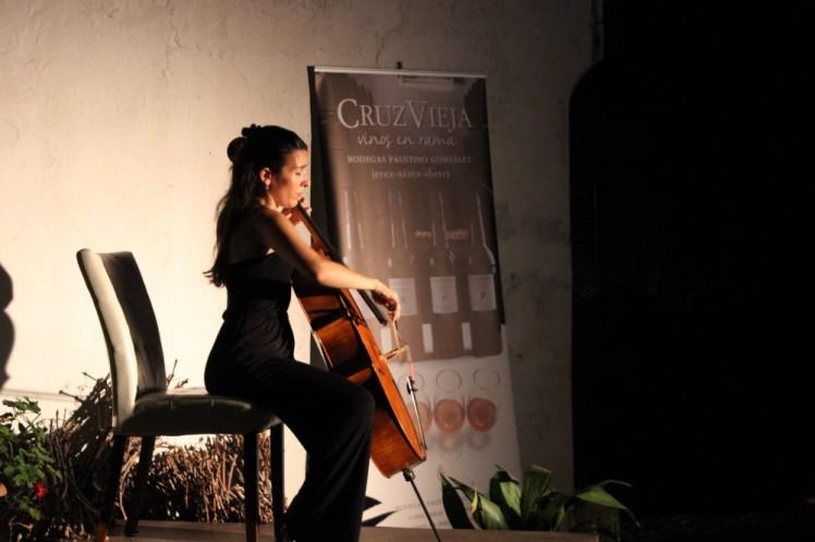 Iris Azquinezer en Bodegas Faustino González